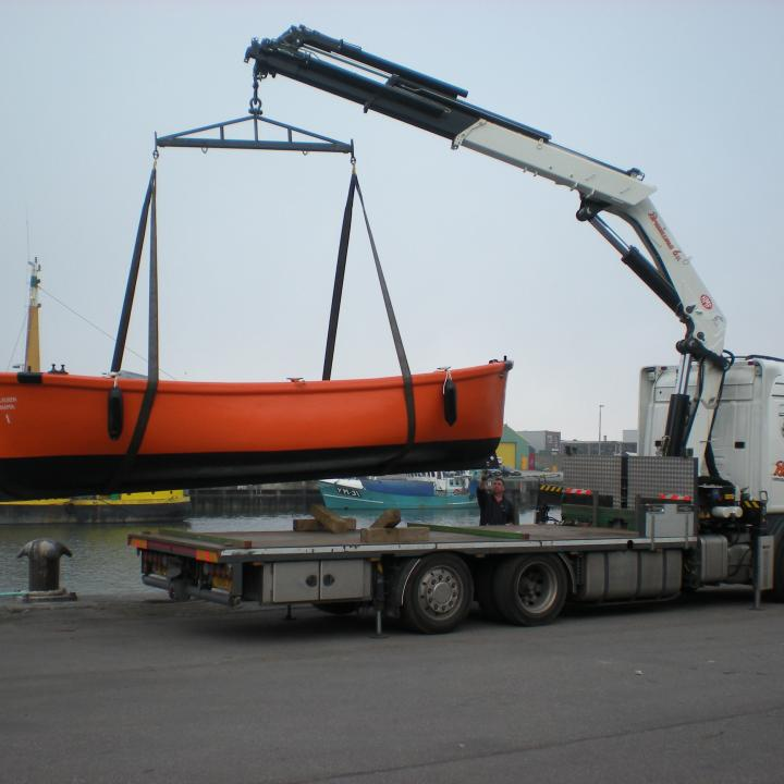 lifeboatcompany_reddingssloep_trasnport_viking.JPG